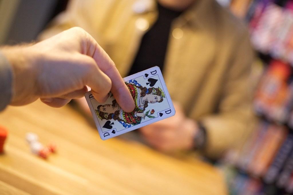 梭哈牌規則及桌上最重要的打牌原則